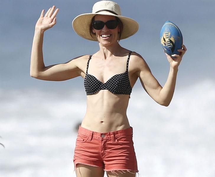 Hilary Swank – Plays Around At The Beaches In Malibu