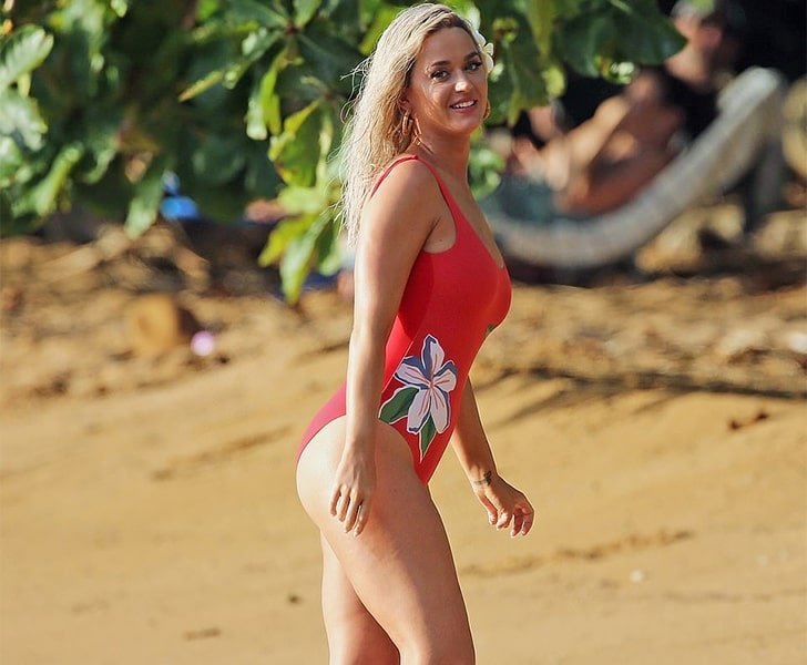 Katy Perry – Goes For A Work/Play Trip To Hawaii