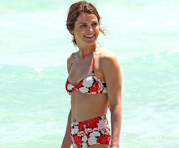 Keri Russell – Flaunts Her Stylish Swimsuit In Miami