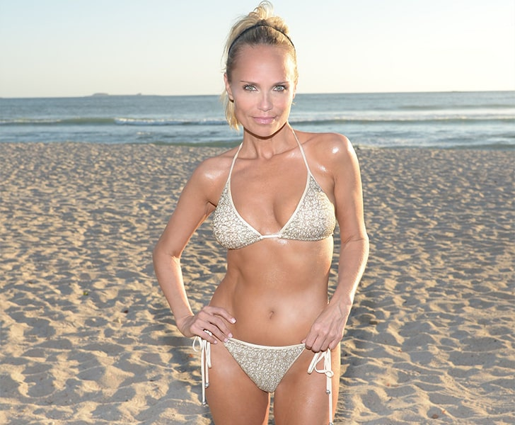 Kristin Chenoweth – Flaunts Her Well-maintained Body In Mexico