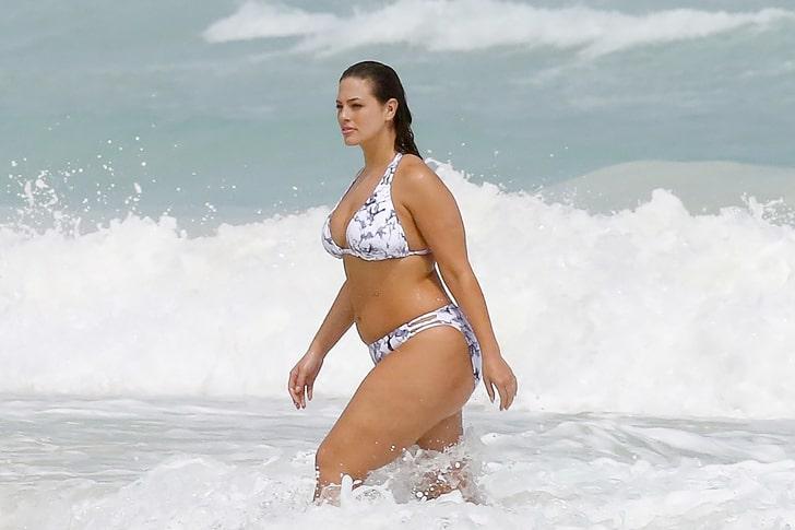 Ashley Graham & Crew – Photoshoot In Cancún, Mexico